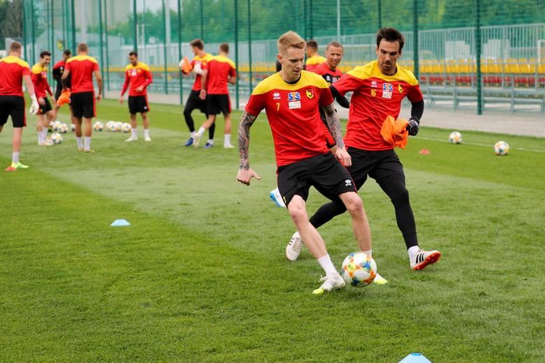 W poniedziałek piłkarze Jagiellonii Białystok w dobrym nastrojach wrócili do treningów po wakacyjnej przerwie. Żółto-Czerwoni po raz pierwszy odbyli