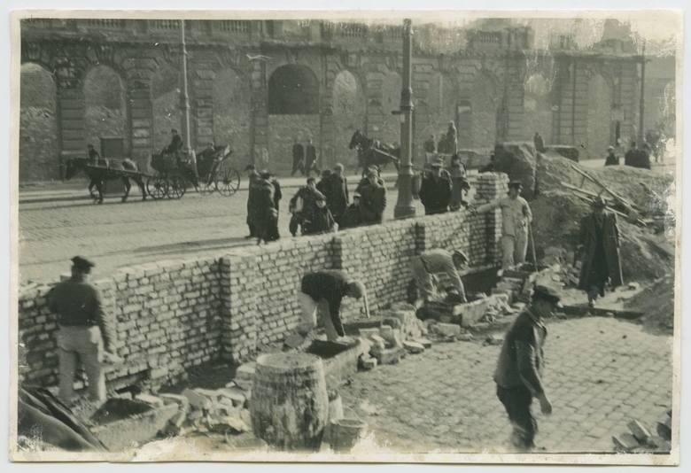 Budowa muru getta w 1940 r.