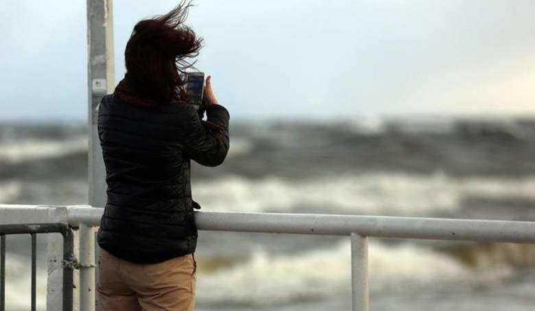 Pogoda nad morzem. Będzie pochmurnie i wietrznie [KAMERKI, WIDEO, MAPY]