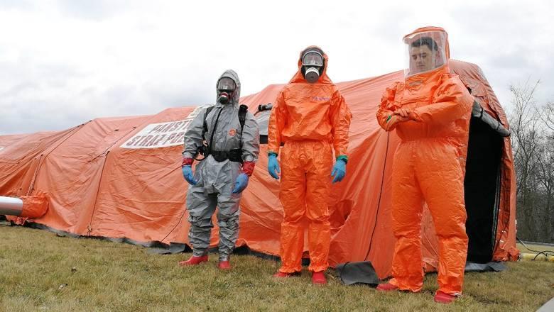"""Naukowiec z UJ: """"Pacjent zero"""" mógł być w Polsce dużo wcześniej. Kiedy skończy się epidemia?"""