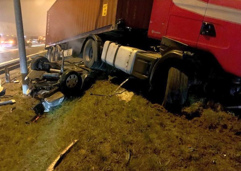 Śmiertelny wypadek na S19 w Sokołowie Małopolskim.