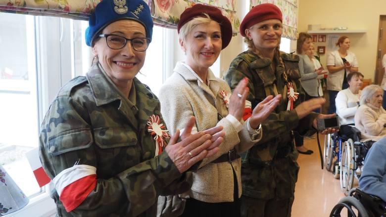 W czwartek w Domu Pomocy Społecznej Zielony Taras w Koszalinie odbyły się uroczystości związane ze 100-leciem odzyskania przez Polskę niepodległości.Zobacz