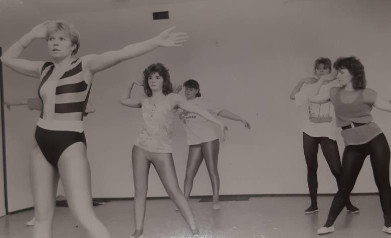 Wracają siłownie. Tak ćwiczyliśmy 30 lat temu (ZDJĘCIA)Od soboty (6.06) ponownie otwarte są siłownie. Zapewne wiele osób cieszy się z tego powodu, bo
