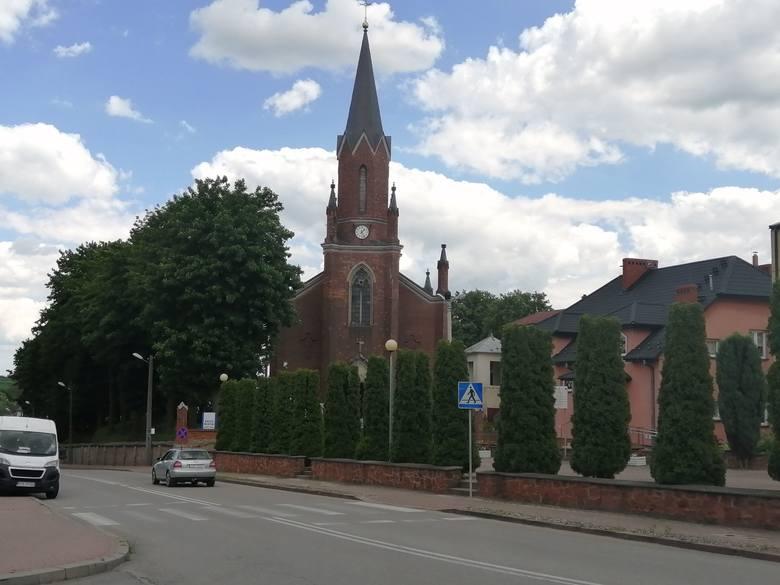 Koronawirus w Iwaniskach. Kościół pozostaje zamknięty do odwołania. Jeden ksiądz chory, dwaj pojechali na testy