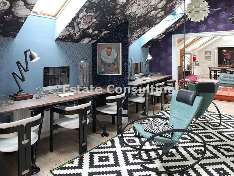 Salon połączony z jadalnią i kuchnią (kuchnia w stylu hidden - można ją ukryć np. przed gośćmi), w pełni wyposażona w sprzęt AGD klasy Premium;