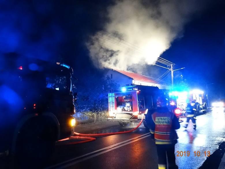 Pożar domu przy ul. Sobieskiego w Tuchomiu