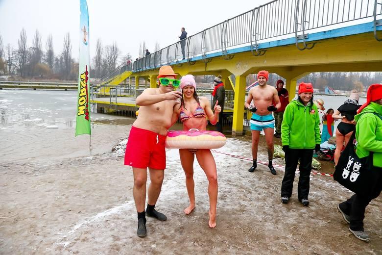 Wrocławskie morsy: Fantastyczna pogoda, wczoraj było zdecydowanie za ciepło [ZDJĘCIA]