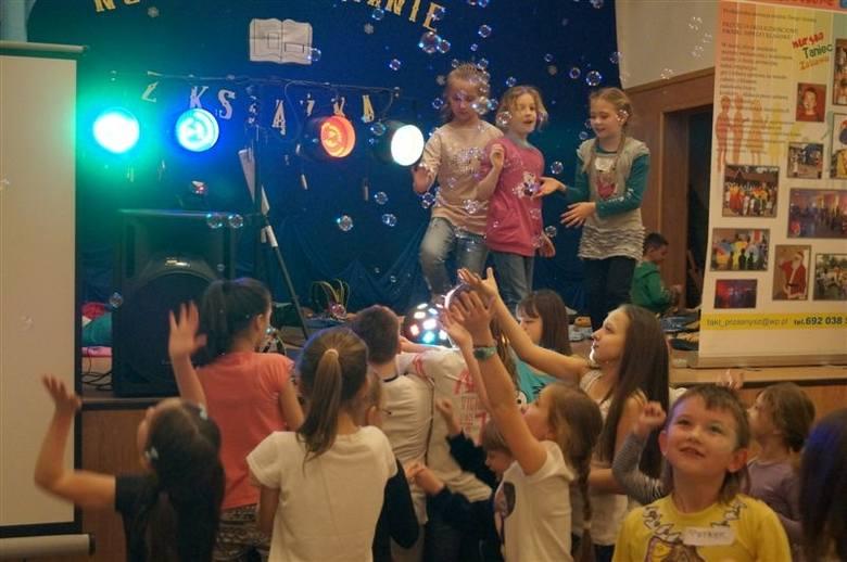 Po raz kolejny dzieci i młodzież z gminy Krasnosielc wzięła udział w Nocnym Maratonie z Książką, organizowanym przez Publiczną Bibliotekę Samorządową.