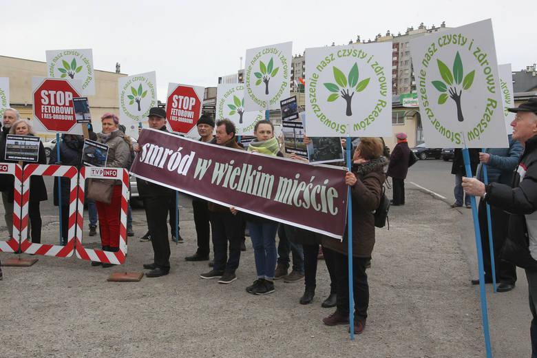 Mieszkańcy osiedla 1000-lecia w Rzeszowie kontra pracownicy Res-Drobu. Konfrontacja na żywo, w telewizji