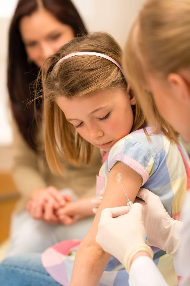 Wojna o szczepienia. Co powie Temida?