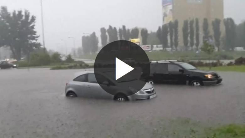 Trudno opisać to, co się wydarzyło w czwartek, 6 czerwca w Gorzowie. Ulewa, która przeszła nad miastem w kilkanaście minut zamieniła suche ulice w rwącą