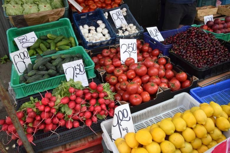 We wtorek 30 czerwca odwiedziliśmy Miejski Plac targowy przy ulicy Seminaryjskiej w Kielcach. Sprawdziliśmy ceny najpopularniejszych produktów w dniu