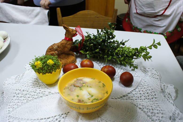 O świątecznych specjałach najwięcej wiedzą gospodynie z Sułkowic. Ich krzonówka, czyli zupa chrzanowa, jest wpisana na Listę Produktów Tradycyjnych.Składnikiserwatka