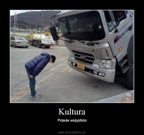 Śmieszne memy o kierowcach TIR-ówWyścigi wraków na 1/4 mili i inne atrakcje na mazurskim moto showŹródło: TVN/X-news.pl