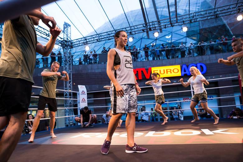 Jędrzejczyk to mistrzyni wagi słomkowej UFC