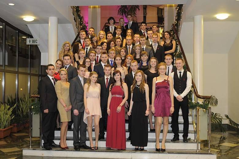 Studniówki 2014. Zobacz, jak bawili się uczniowie z VIII LO w Bydgoszczy [zdjęcia]