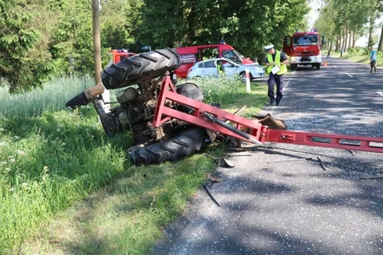 W czwartek, 24 maja w powiecie świeckim doszło do niebezpiecznego wypadku. W miejscowości Franciszkowo zderzyły się trzy pojazdy. - Kierujący ciągnikiem