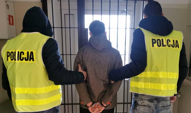 21-letni warszawianin nie będzie miło wspominał pobytu w Białymstoku. Wkrótce zostanie przekazany stołecznej policji. To ona umieściła mężczyznę na liście