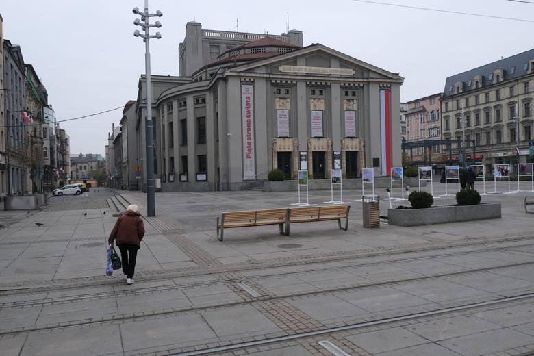 Opustoszałe Katowice 11 listopada 2020 roku. Dawno w stolicy województwo śląskiego nie było tak spokojnie.Zobacz kolejne zdjęcia/plansze. Przesuwaj zdjęcia
