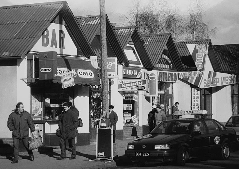 Bydgoskie sklepy zlokalizowane przy głównych ulicach i na osiedlach. Bazary, targowiska, domy towarowe... Tak wyglądał handel w Bydgoszczy, zanim nastała