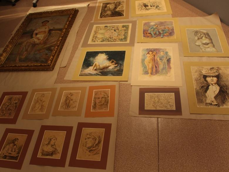 Policjanci odzyskali 80 obrazów, szkiców i grafik