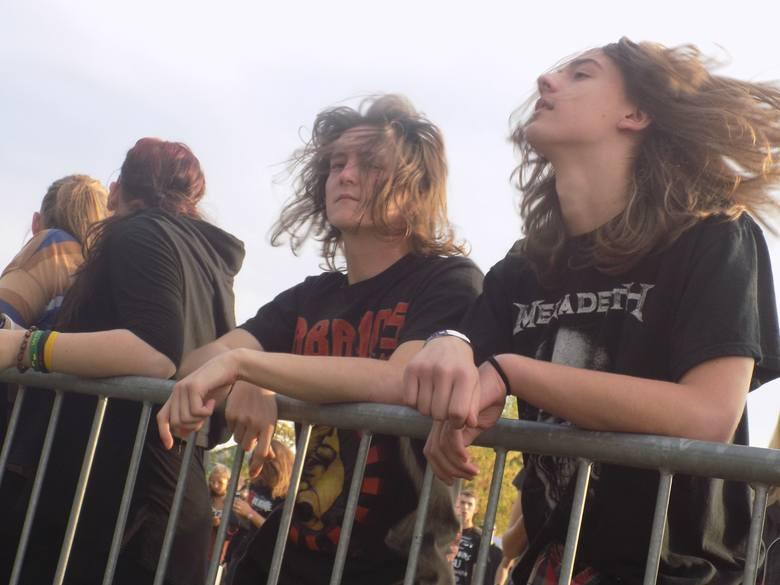 Na scenie festiwalu Krushfest 2015 wystąpiły zespoły: Steel Velvet, Adligate Band (Niemcy), Spatial, Krusher, KSU oraz Acid Drinkers. Impreza odbyła