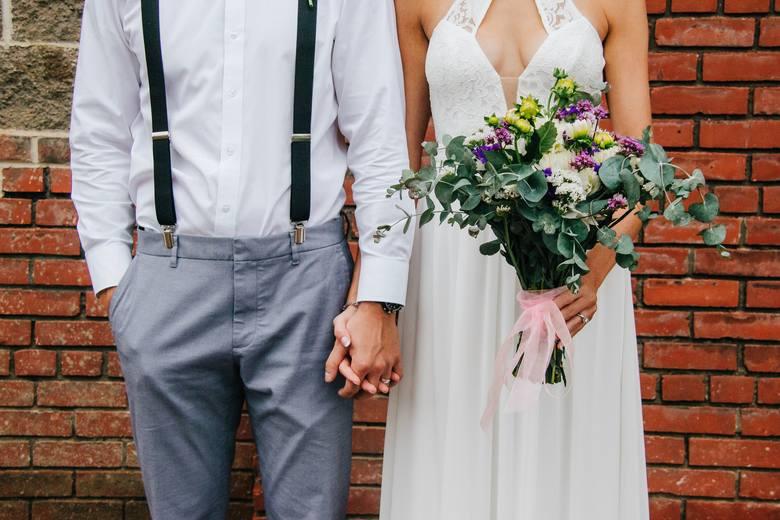 Od 1 czerwca 2020 roku zmieniają się zasady zawierania ślubów kościelnych. Zobacz na co muszą być gotowi przyszli małżonkowie przed zawarciem związku