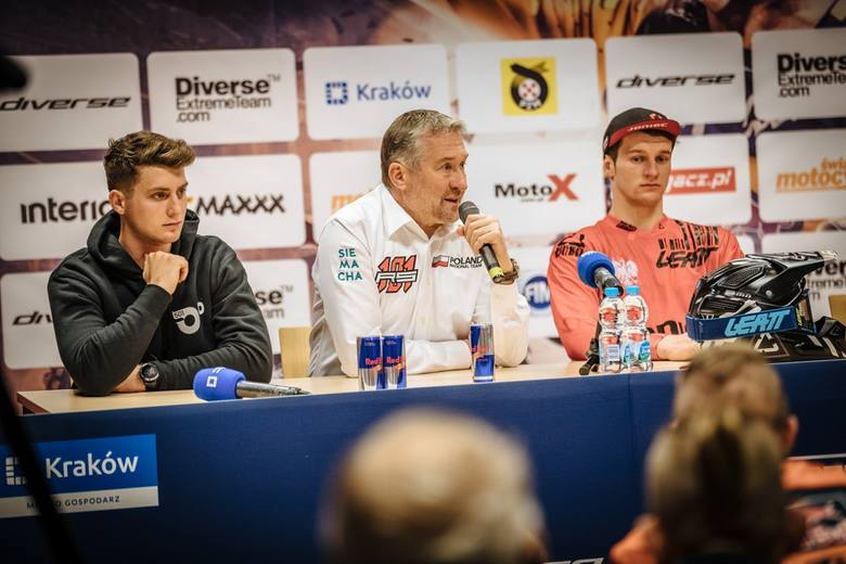 Od lewej: Dominik Olszowy, Rafał Sonik i Emil Juszczak