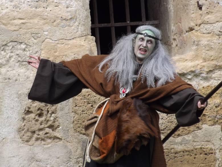 Wierzysz w magię i wróżby? One jak najbardziej TAK! Oto 10 wiedźm i wróżek na polskim Youtube