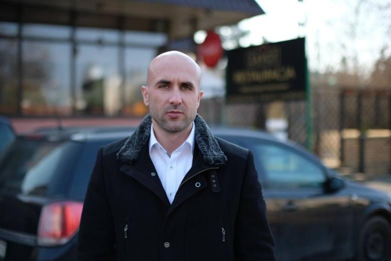Poznań: Właściciel restauracji Savoy mógł trafić do sądu za tłuczenie kotletów. Straż miejska ostatecznie odrzuciła skargę sąsiada