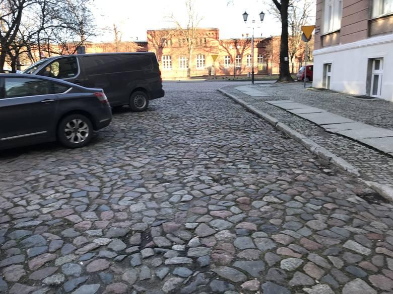 W Toruniu trwa remont ulicy Poniatowskiego. W pierwszym etapie z ruchu wyłączony został odcinek od ulicy Piastowskiej do Warszawskiej. Do kiedy trwać
