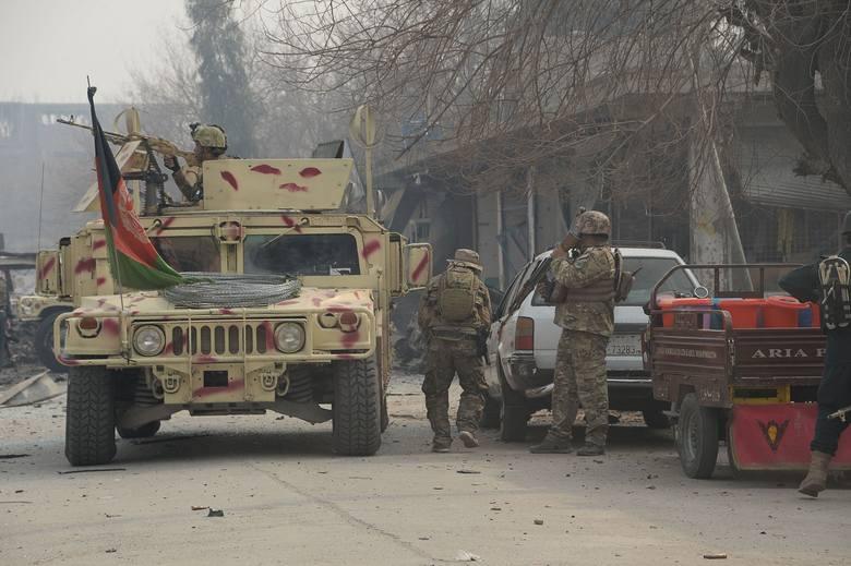 Afganistan: Zamach w Dżalalabadzie. Terroryści zaatakowali siedzibę organizacji humanitarnej Save the Children, zginęły dwie osoby [ZDJĘCIA]