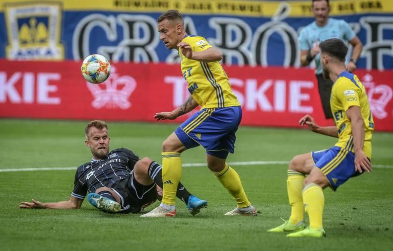 Lech Poznań był zdecydowanym faworytem meczu w Gdyni, ale koncertowo wręcz marnował swoje sytuacje strzeleckie.Oto pięć wniosków po sobotnim 0:0 na stadionie