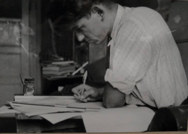 Marek Dziekoński na początku swojej pracy.