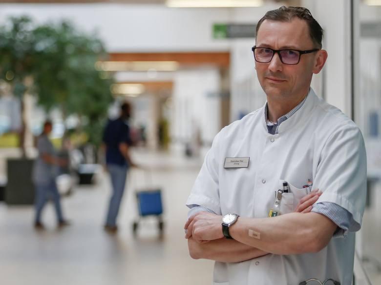Prof. Stanisław Hać, kierownik podzespołu zajmującego się chirurgią trzustki w Klinice Chirurgii Ogólnej, Endokrynologicznej i Transplantacyjnej w Uniwersyteckim
