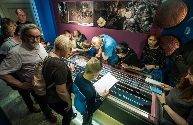 W sobotę w Bydgoszczy odbyła się Europejska Noc Muzeów. Można było zrobić sobie perfumy, potańczyć na Wyspie Młyńskiej, czy zwiedzić Muzeum Mydła...