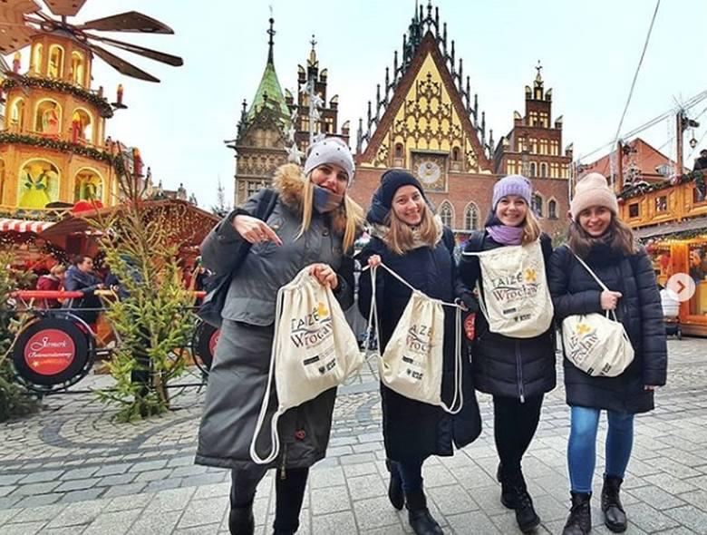 Jarmark bożonarodzeniowy na wrocławskim Rynku to miejsce, z którego zdjęcia najczęściej publikują na instagramie pielgrzymi z całego świata uczestniczący