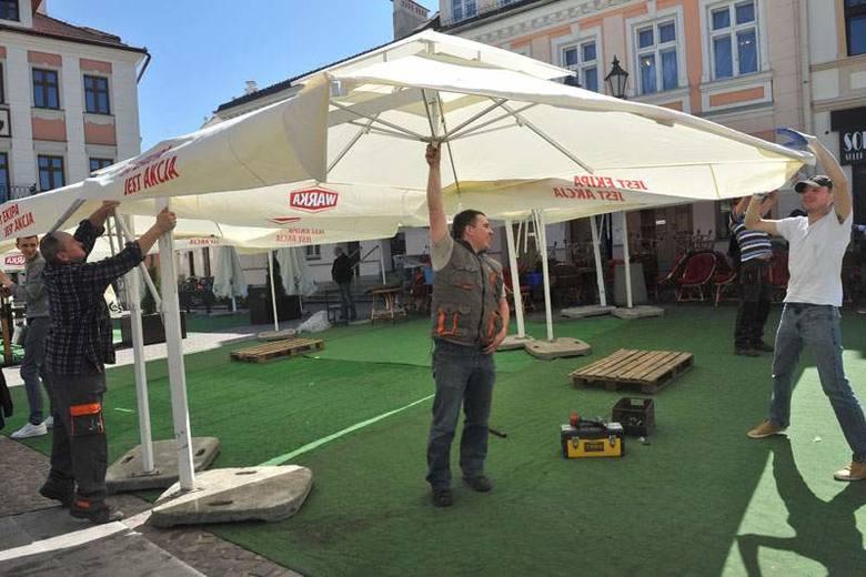 Dziś na rzeszowskim Rynku pojawią się parasolki [ZDJĘCIA, WIDEO]