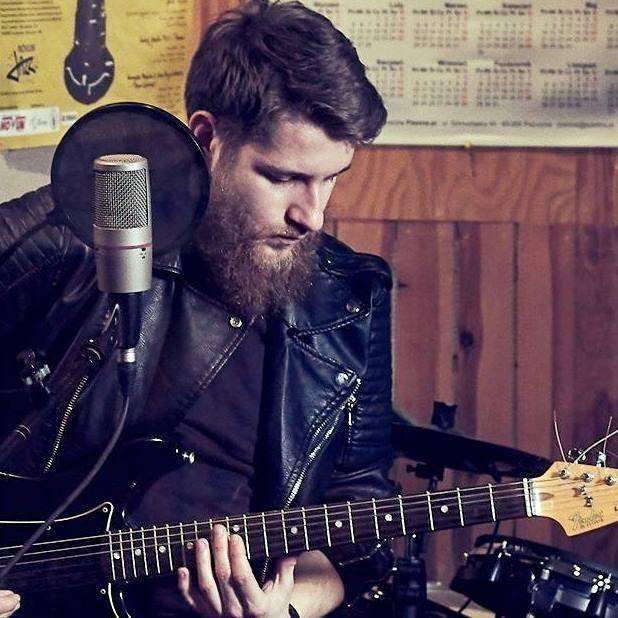 Adam Kalinowski, muzyk, Łomża, sms na 72355 o treści BKU.1 (2,46 zł z VAT)