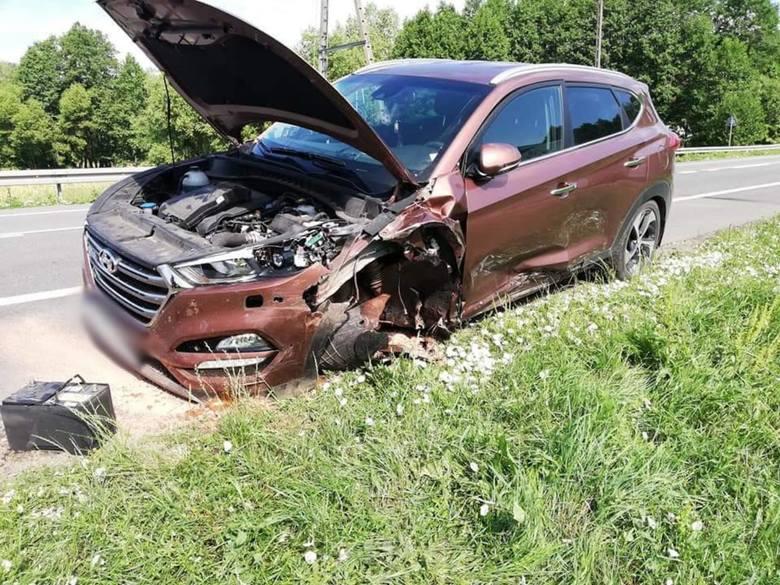 Po godz. 8 doszło do zdarzenia drogowego na DK8 w miejscowości Krzywa.