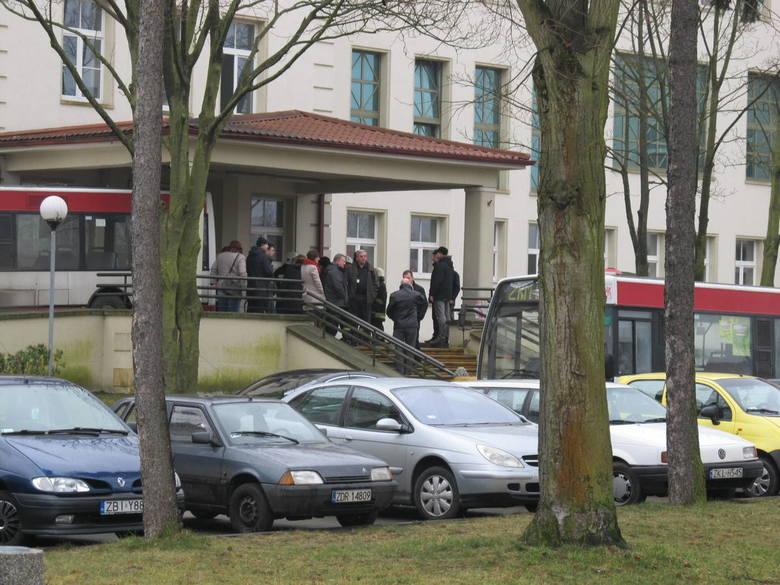 Trzydzieści osób z objawami zatrucia chlorem zostało ewakuowanych z części basenowej Centrum Rehabilitacji Szpitala Powiatowego w Białogardzie.