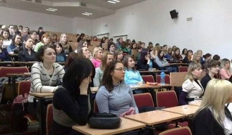 Sprawdziliśmy, jak przed Bożym Narodzeniem hojni są pracodawcy z regionu. Pracownicy Uniwersytetu Kazimierza Wielkiego w Bydgoszczy mogą liczyć na tzw.