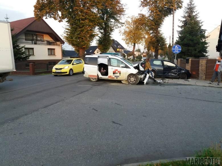 Według wstępnych ustaleń opolskich policjantów, 18-latek siedzący za kierownicą volkswagena, wymusił pierwszeństwo na fordzie.