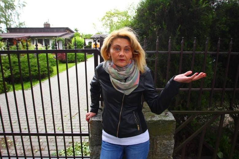 """Mariola Stolarek, nękana przez """"współpracowników"""" Mariusza T. wyprowadziła się z własnego domu, teraz może do niego wrócić"""