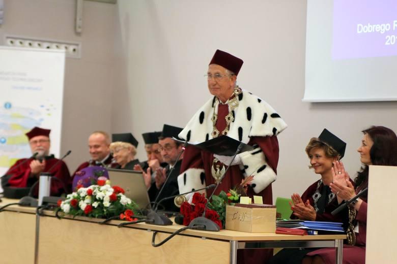 Sosnowiec: Wyższa Szkoła Medyczna zainaugurowała nowy rok akademicki [ZDJĘCIA]