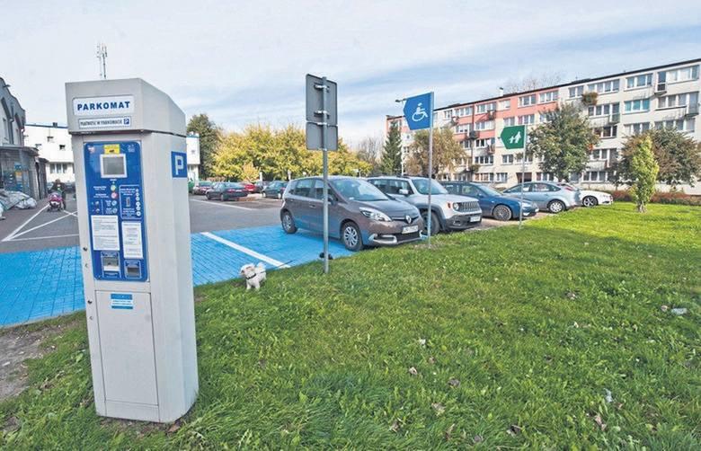 Pełną listę nowych płatnych miejsc parkingowych znajdziesz na kolejnych slajdach >>>
