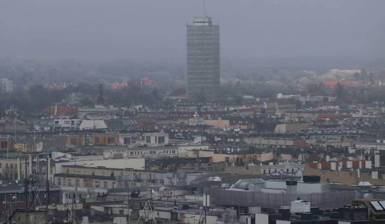 """Smog w Szczecinie? """"Jakość powietrza jest akceptowalna"""". Według polskich norm"""