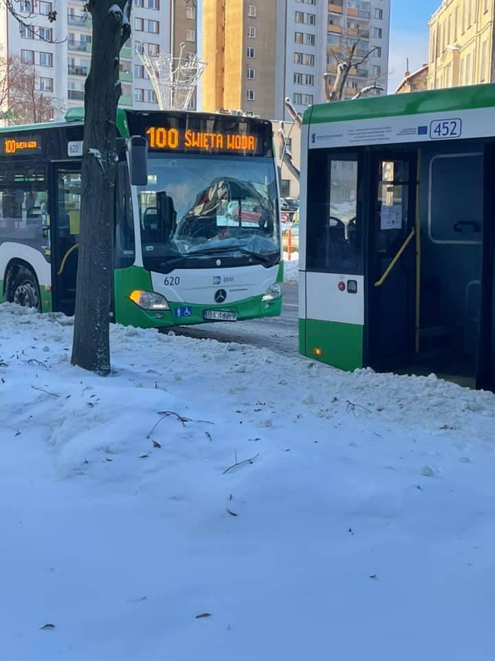 Zderzenie autobusów na al. Piłsudskiego w Białymstoku
