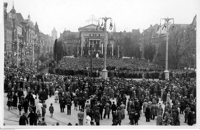 Jesteście ciekawi, jak żyło się w Poznaniu przed wojną? Zajrzeliśmy do Narodowego Archiwum Cyfrowego i wybraliśmy kilkadziesiąt wyjątkowych zdjęć. Zobaczycie