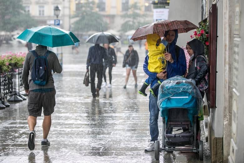 Gmina Zielonki rozpoczyna program łapania deszczówki. Zakupi dla mieszkańców zbiorniki na wody opadowe